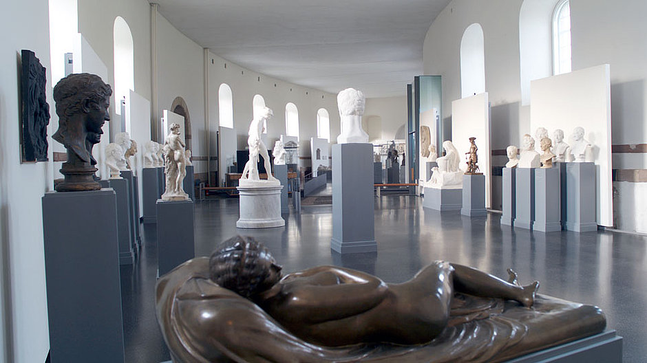 View into the gallery of the Christian Daniel Rauch Museum